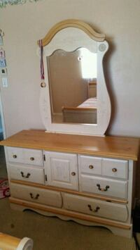 Dresser and twin bed El Paso, 79936