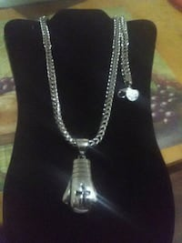 Stainless steel chain w/ stainless steel pendant  Harrisburg, 17110