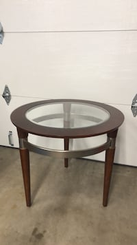 round brown wooden framed glass top table San Diego, 92139