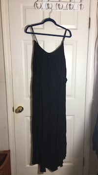 Size large American Eagle Maxi Dress North Vancouver, V7L 4T1