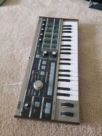 black and white electronic keyboard Jessup, 20794