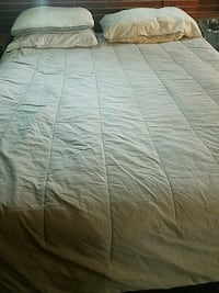 white and gray bed sheet Baltimore, 21209