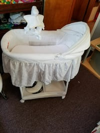 Baby bed almost new Jeffersonville, 47130