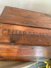 Antique wine case Bakersfield, 93312