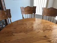 Solid oak table and 5 chairs.  Yuma, 85365