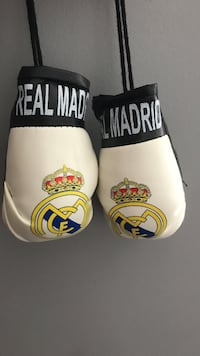 RM boxing gloves for mirror  557 km
