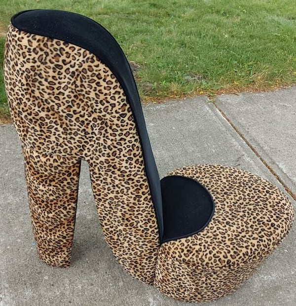 2 ANIMAL-PRINT HIGH HEEL CHAIRS (Large and Small) a5e347e3-d77c-46fb-af80-b35e2918a840