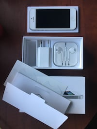 blanco iPhone 5 con caja