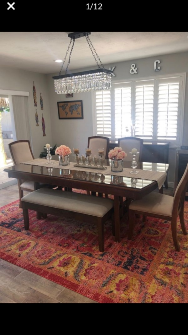 How To Set A Beautiful Dining Room Table