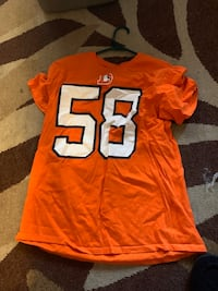 Von miller tshirt .... Large  London, N5Y