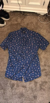 Floral blue collared shirt  Maple Ridge, V2X 0P4