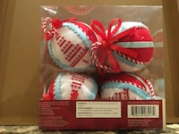 Four white and red knitted balls 367 mi