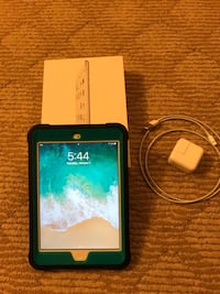 iPad Mini 2 Wi-Fi 16GB- Silver Bethesda, 20814