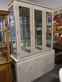 Cream Lighted Display Cabinet Bend