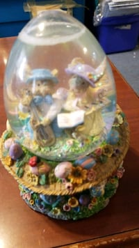Easter snow globe music box Baltimore, 21205