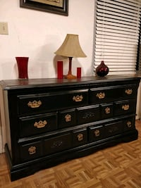 Black solid wood dresser with big drawers in very  Annandale, 22003