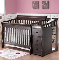 Baby crib- converts to bed Toronto, M9W 1S7