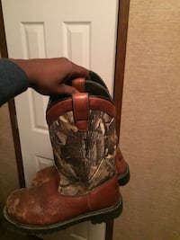 Brown-and-gray tree camouflage leather round-toe cowboy boots size 8.5 Shreveport, 71107