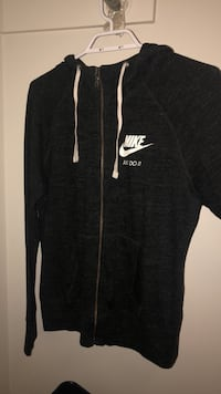 black and white zip-up hoodie Burnaby, V5H 1P1