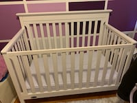 White, Graco crib