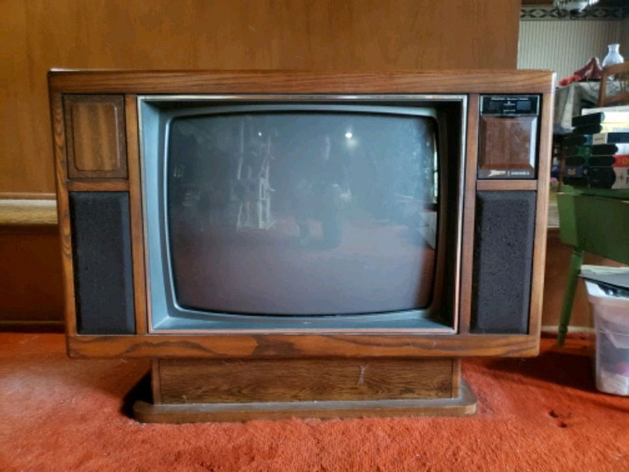 Photo Old wooden console TV
