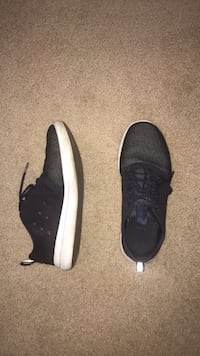 pair of black-and-white sneakers Glenview, 60025