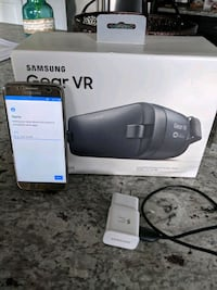 Near Mint Verizon Samsung Galaxy S7 w Gold Gear VR Chantilly, 20152