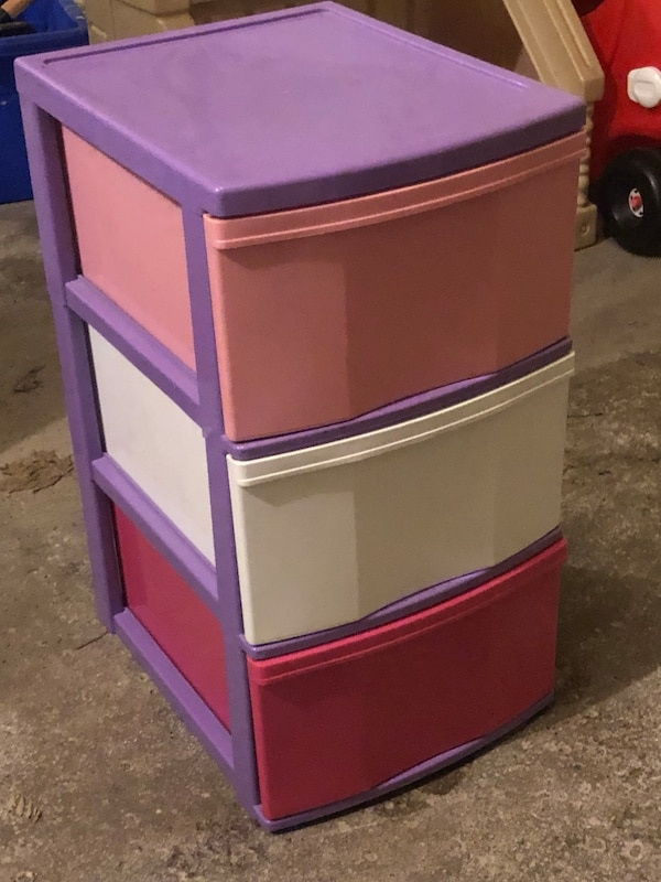 PINK PLASTIC STORAGE DRAWERS