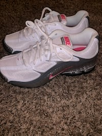 Brand new Nike shoes great Christmas gift ! Size 8  Louisville, 40203