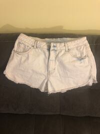 Woman's Stone Washed Shorts Size 9 District Heights, 20747