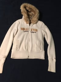 Hollister fur lined zip up Cromwell, 06416
