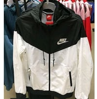 Nike Windbreaker UNISEX! M and L in sizes Montreal, H1K 2E1