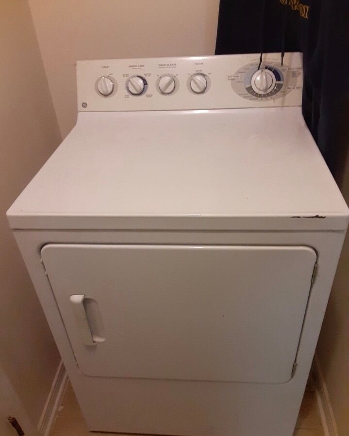 Photo MOVING SALE!! MUST GO! GE dryer and large dresser with mirror!