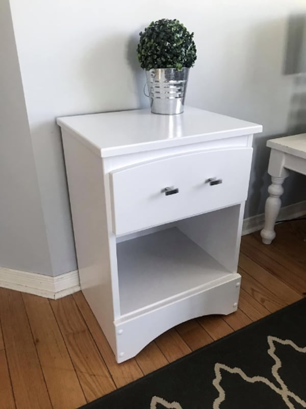Newly refinished night stand /side table 5bd67996-721b-444e-8a22-dfc93758e406