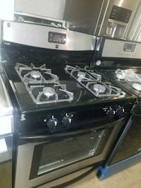 Maytag gas stove excellent condition  Baltimore, 21223