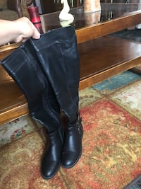 pair of black leather cowboy boots Edinburg, 78542