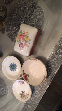three white and pink floral ceramic plates Alpharetta, 30009