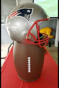 NFL NEW ENGLAND PATRIOTS 29 INCHES TALL - Battery operated  Paramount, 90723