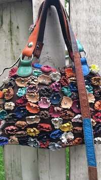 Fun handbag with multicolor leather flowers and long shoulder strap Cary, 60013