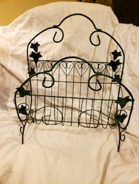 Magazine Rack, wrought iron ivy decorated  Dallas, 28034