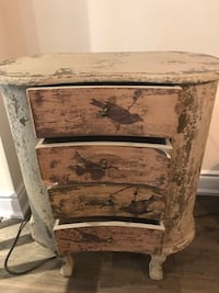 End Table with3 drawers  Hamilton, L8B