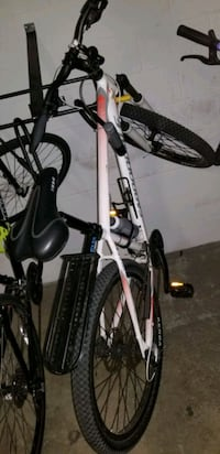 cannondale mountain bike bike rack and air horn not included  Vancouver