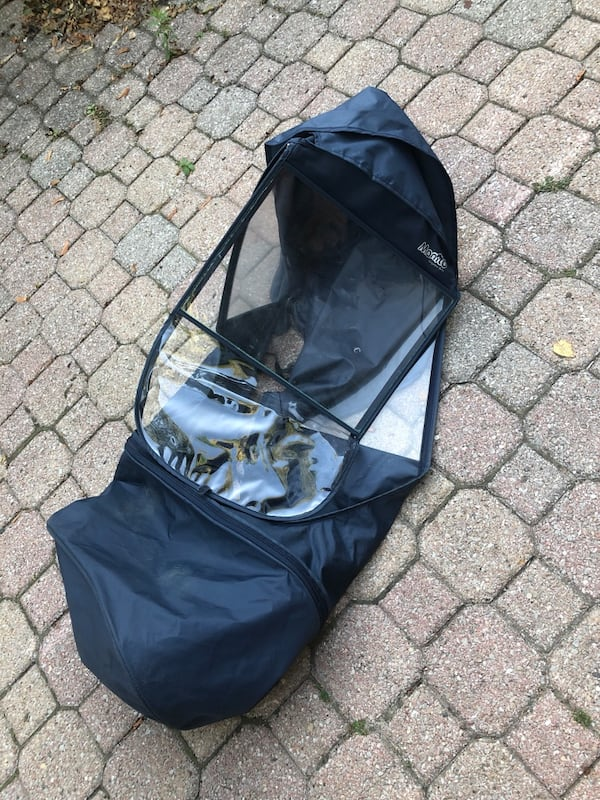 Uppababy Vista stroller, 2011. Black metal with yellow accents. a632f1ef-f5e2-4739-8e7b-1657b0774263