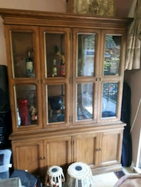 Great shape solid wood China cabinet  Vancouver, V5M 1N9