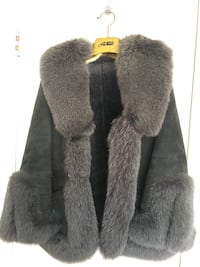Size S. Genuine Leather and fur coat. Women's East Moline, 61244