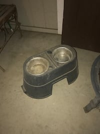 Dog house and food and water bowl  Denver, 80223