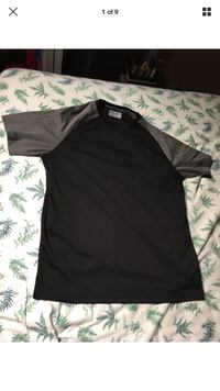 Mondetta Black and Grey Casual T-Shirt Exclusive of Trimmings *Medium* NWOT London, N6G 2Y8