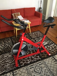 Red and black stationary bike Santa Mónica, 90403