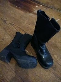 Womans size 7 black leather boots Louisville