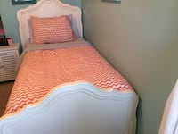 1 OR 2 POTTERY BARN KIDS WHITE SOLID WOOD TWIN BEDS WITH HEADBOARD, FOOTBOARD, BOX SPGS & MATTRESS Lee's Summit, 64064